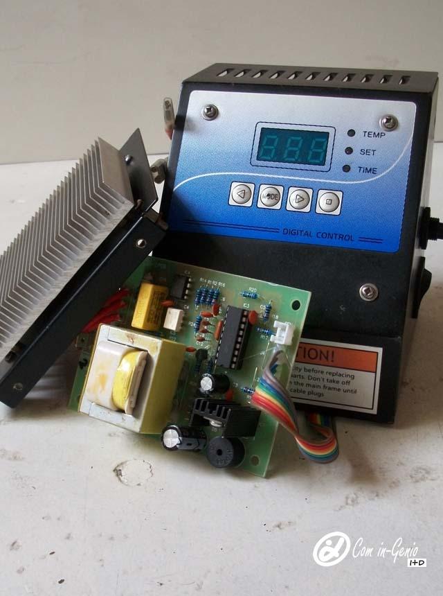 Imagen Caja controladora Termofijadora 8 en 1 averiada traída al taller de Com in-Genio para reparar y potenciar, Trabajo Industrial.